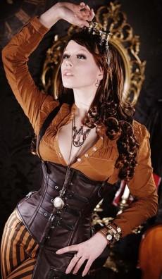 Meraviglioso corsetto steampunk . Queste foto appartengono al sito Draculaclothing http://draculaclothing.com/index.php/