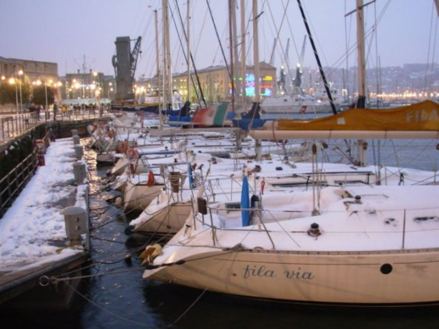 Scatto personale, porto di Genova neve